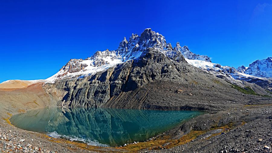 The lagoon of Cerro Castillo