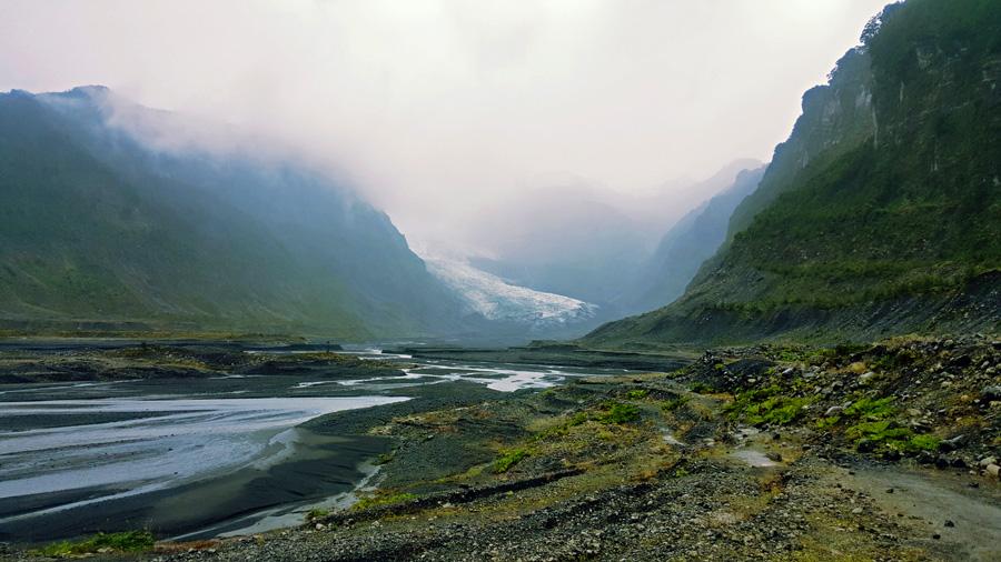Reaching te Michinmahuida Glacier in Park Pumalin